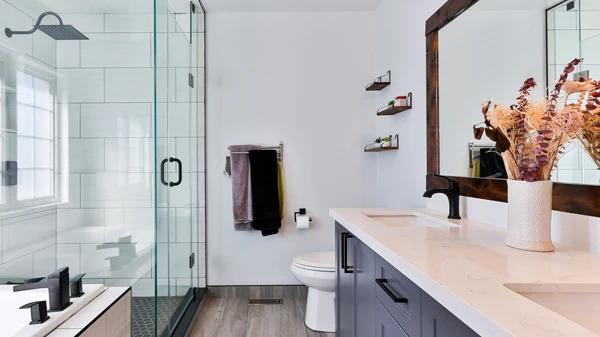 Bathroom Essentials x crop center